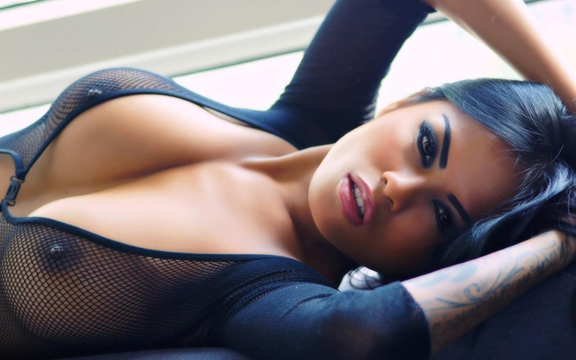 Hot Brazilian Women