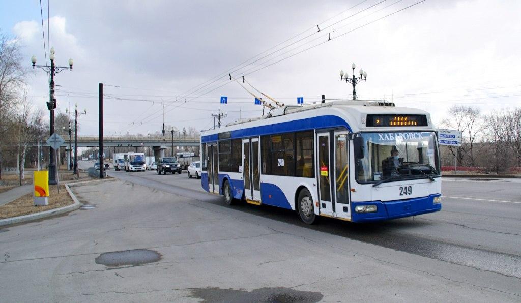 На троллейбусном маршруте №1 в Хабаровске обновили семь БУ-машин