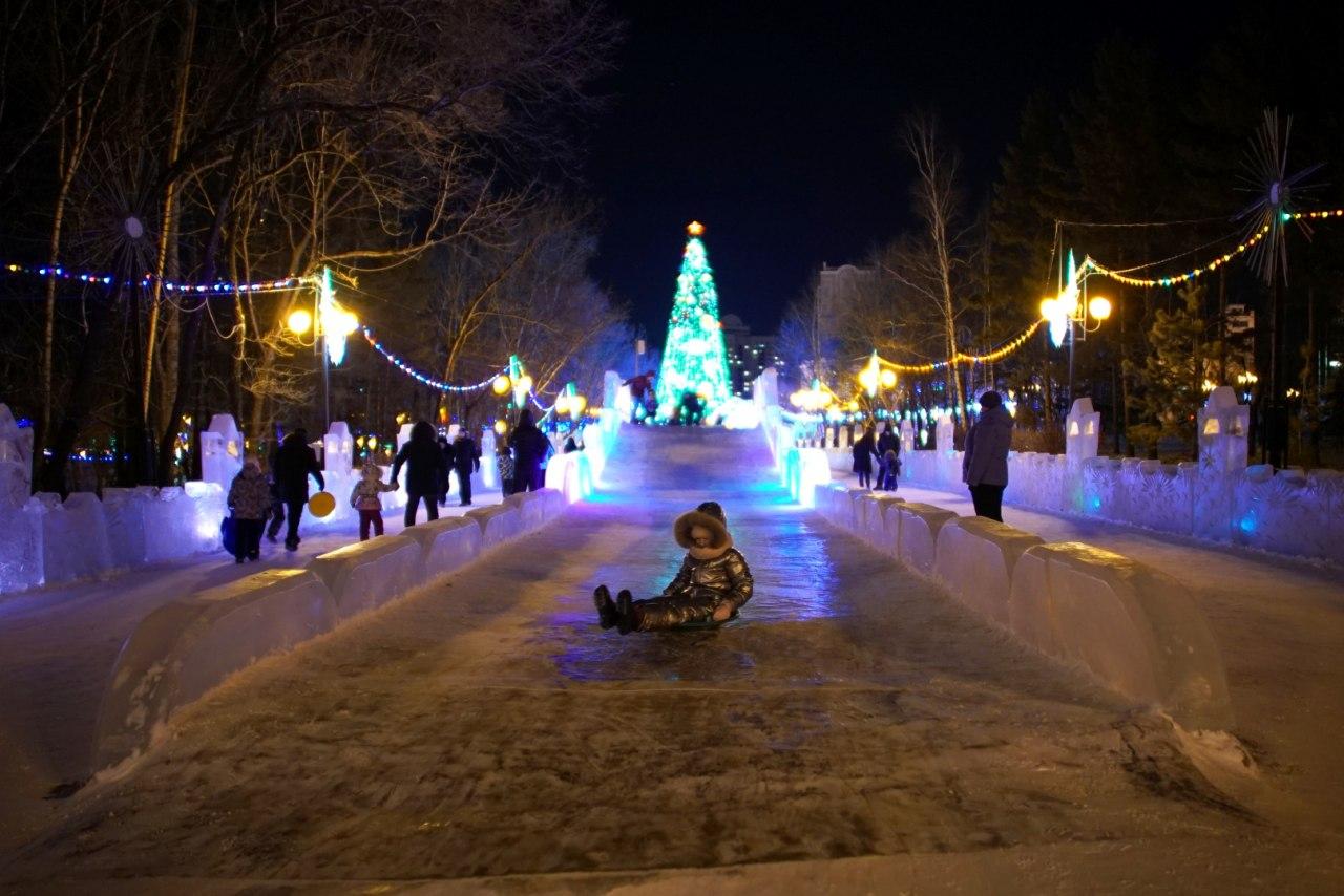 Новогодний городок Хабаровска демонтируют после 23 февраля