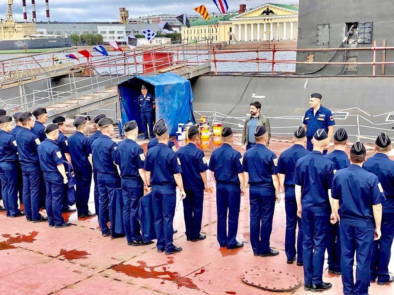 Дмитрий Панов подписал соглашение с экипажем подлодки