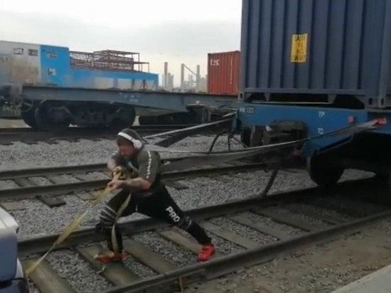 Хабаровский силач потянет тяжелую спецтехнику