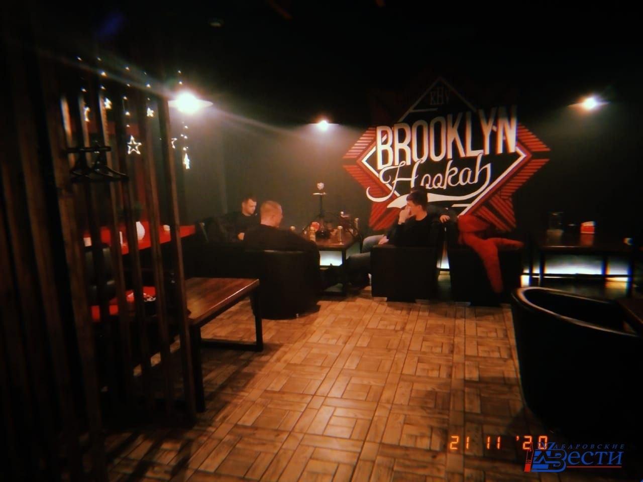 В кафе и кальянных Хабаровска выявили нарушения антиковидного режима