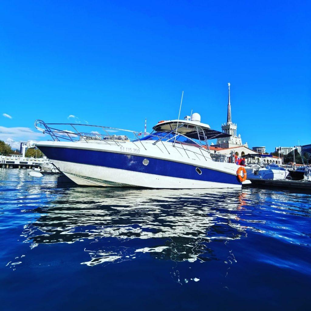 Что нужно знать при выборе яхты в аренду в Сочи