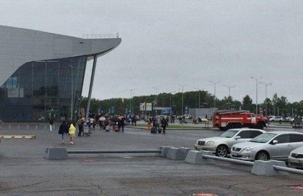 В Хабаровске эвакуировали аэропорт из-за угрозы минирования