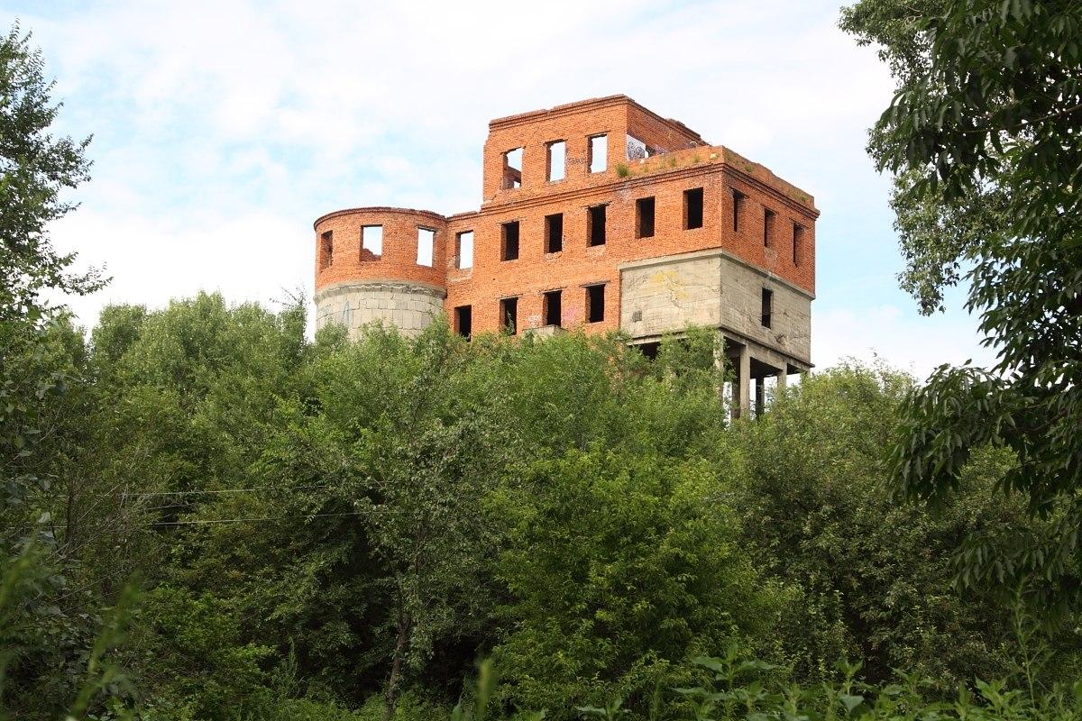Воронье гнездо, башня Инфиделя, дом архитектора, могила Чингизхана