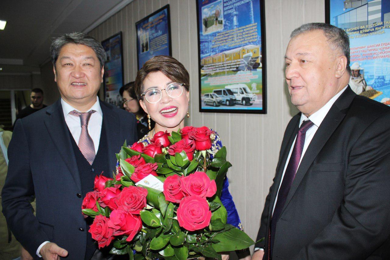 Концертном зале «Туркистон» прошел концерт примадонны  казахской эстрады.