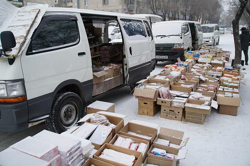 В Хабаровске провели рейд на торговцев просроченными продуктами