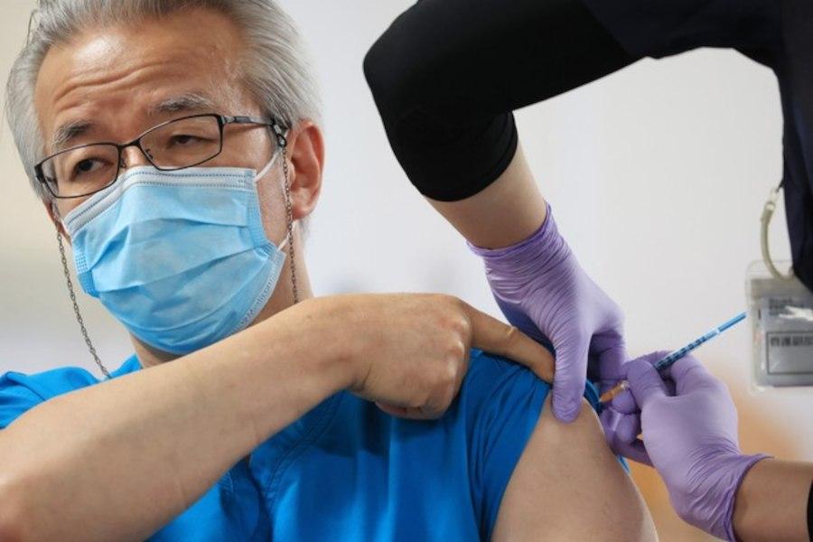 Японцев будут вакцинировать от коронавируса в Хабаровске