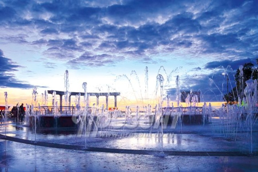 Пешеходный фонтан запустили на Набережной Хабаровска