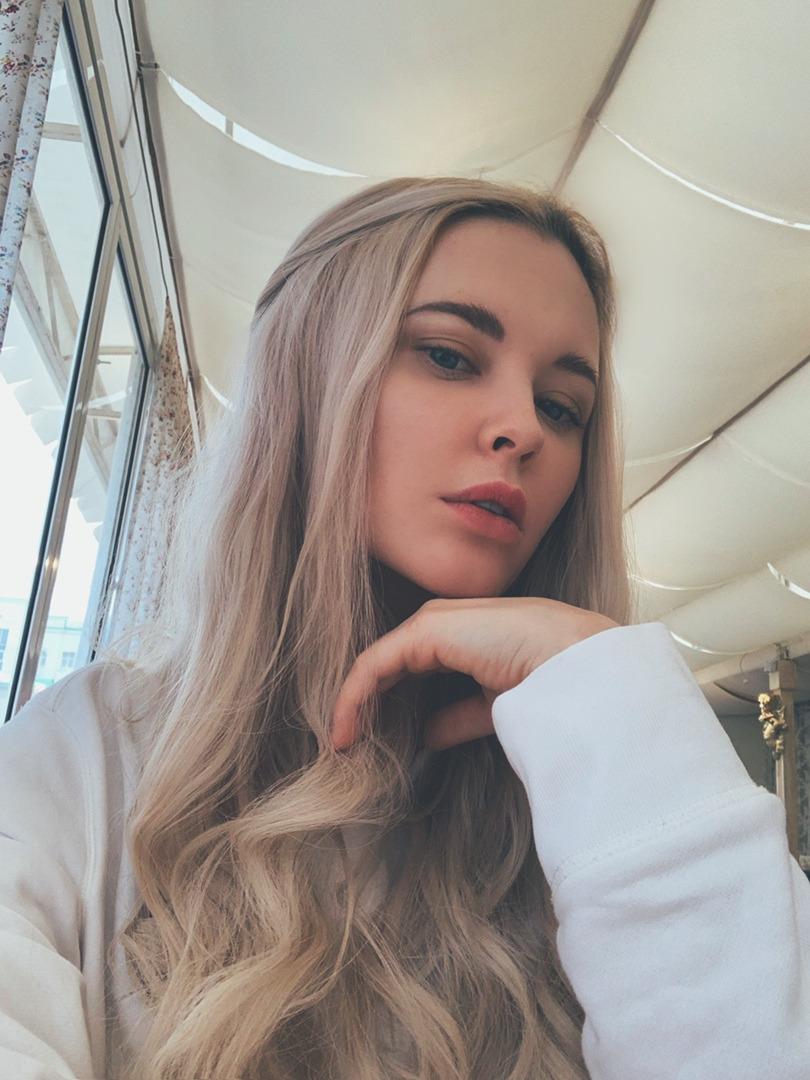 Дегтярева Екатерина из Екатеринбурга толкала в эскорте свою сестру Дашу 18