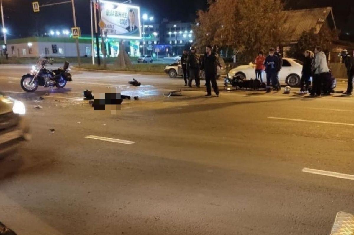 Байкер насмерть погиб под колесами грузовика в Хабаровске