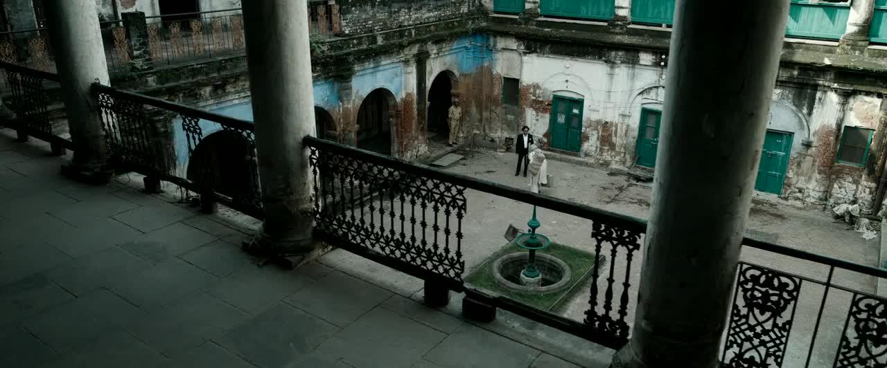 Video Screenshot of Gulabo Sitabo