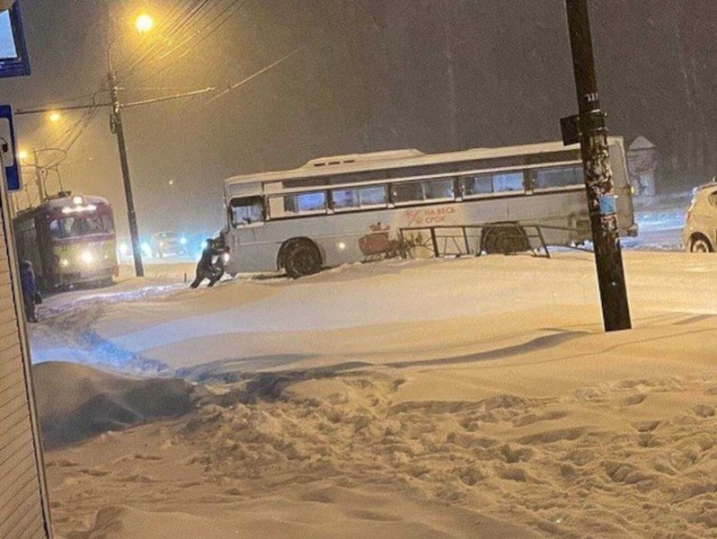 Пересесть с личного на общественный транспорт просят хабаровчан