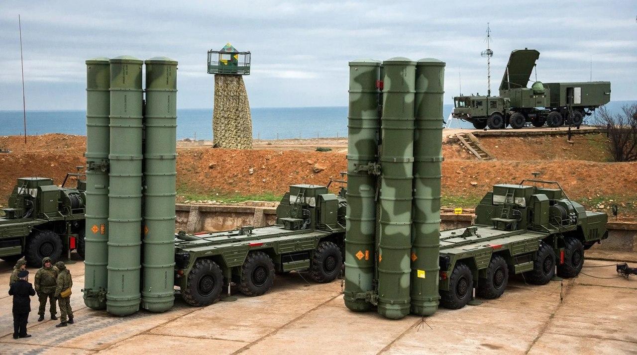 Минобороны РФ провело успешные испытательные стрельбы новой системы ПВО С-500