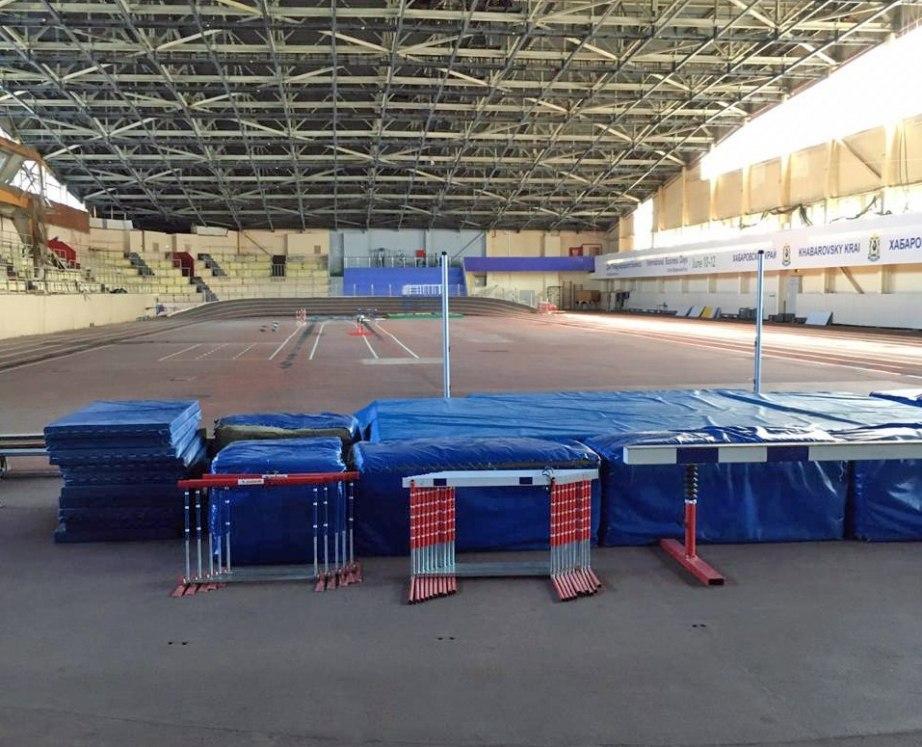 В Хабаровске продолжается ремонт легкоатлетического манежа