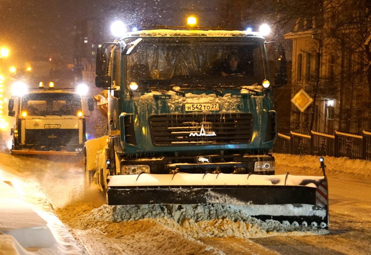 После снегопада Хабаровск стоит в пробках