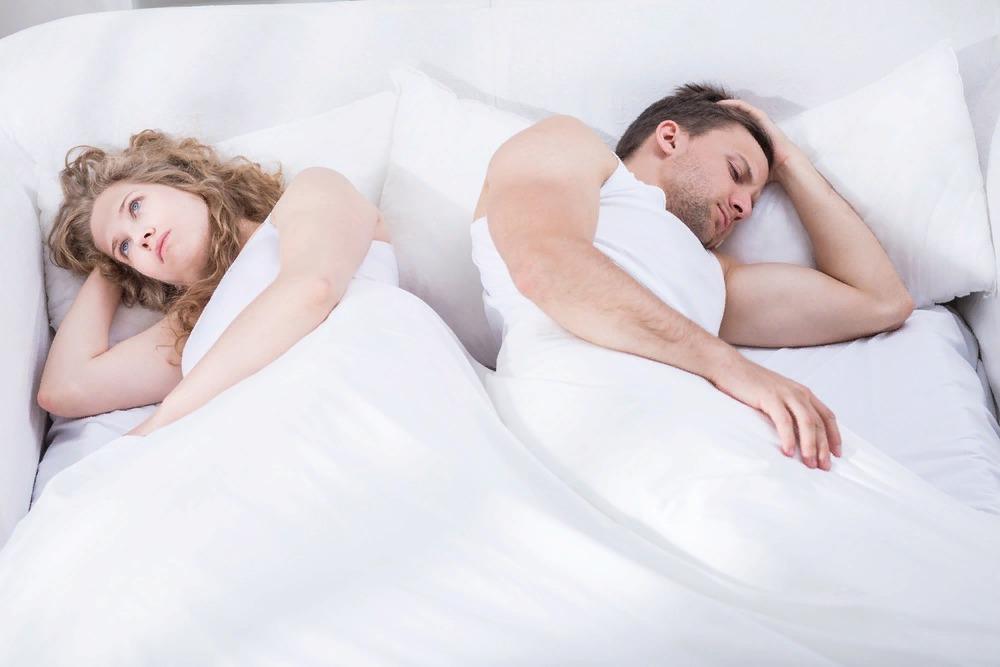 Мужчины любят шлюх в постели
