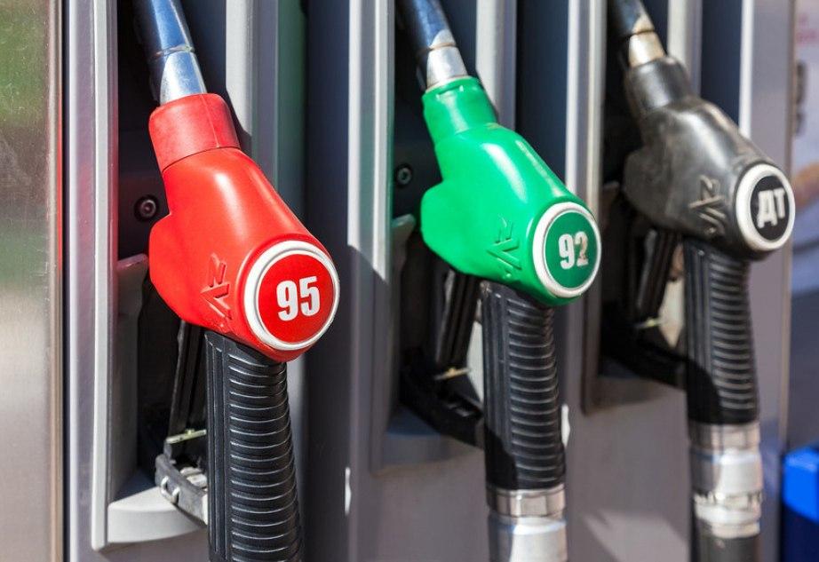 Бензин AИ-92 для АЗС доставлен в Хабаровск