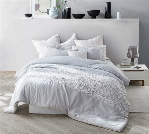 Supreme Comfort: Why You Need A Comforter In Your Bed