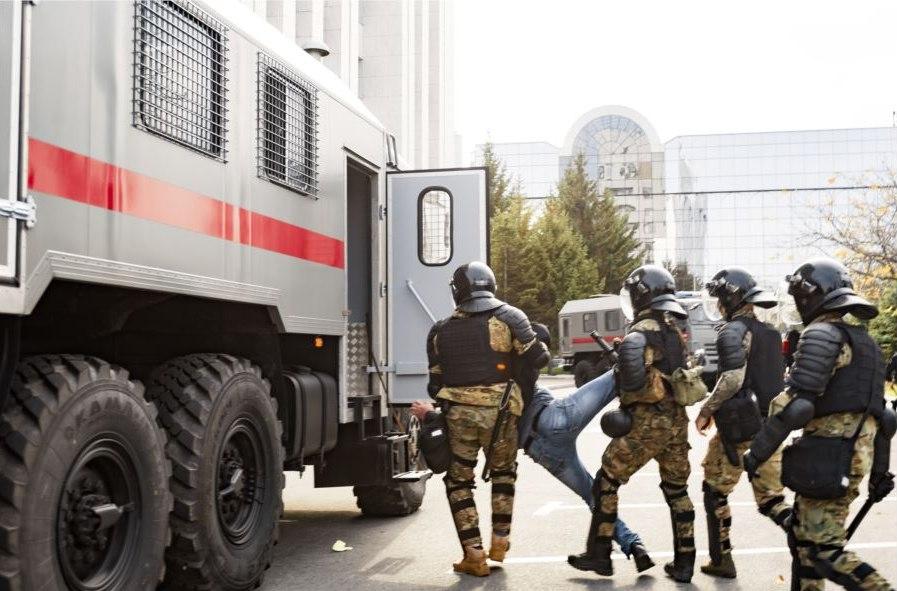 Судить будут участников столкновения с ОМОН в Хабаровске
