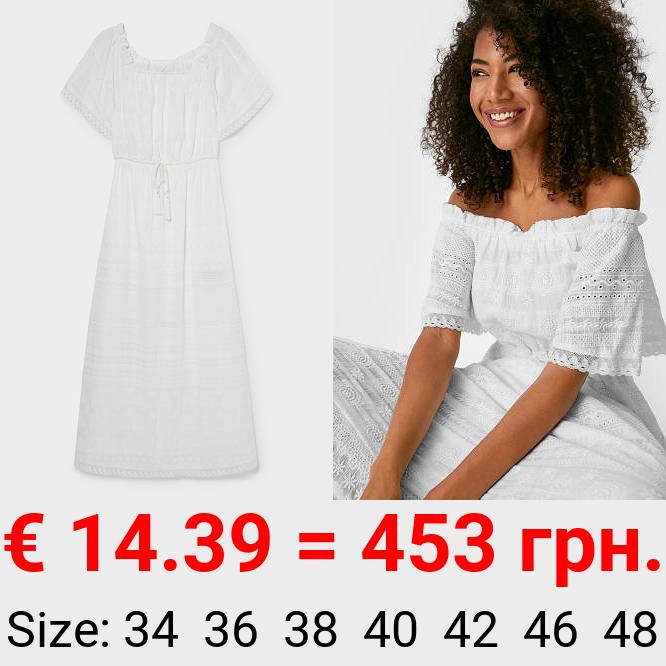 Kleid - bestickt