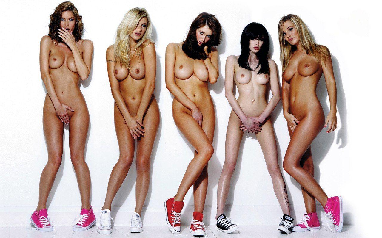 kolgotkah-seks-golie-telki-foto-halyava-zastavlyayut