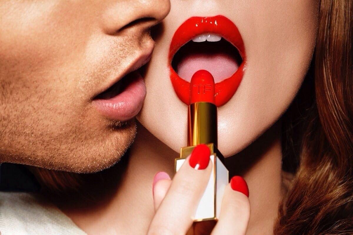 Открытка, картинка с поцелуйчиками девушке