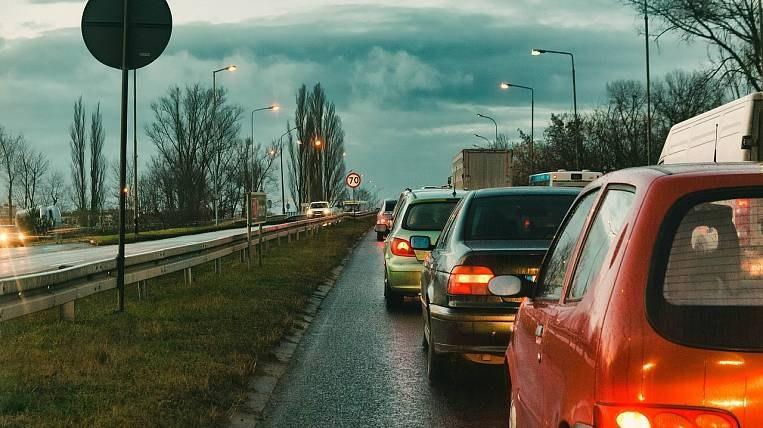 Принят закон о снижении транспортного налога в Хабаровском крае
