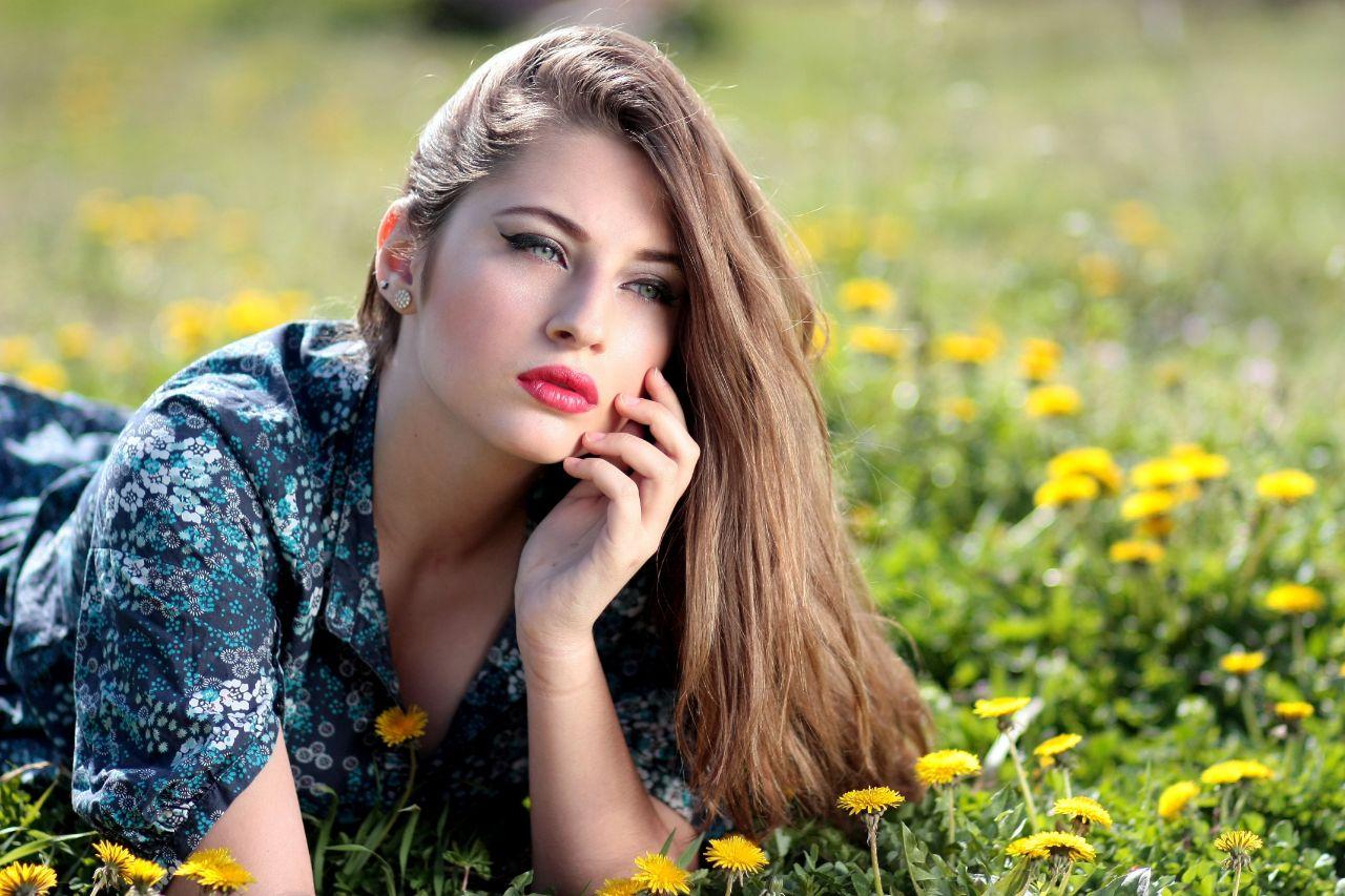cute-european-teen-women