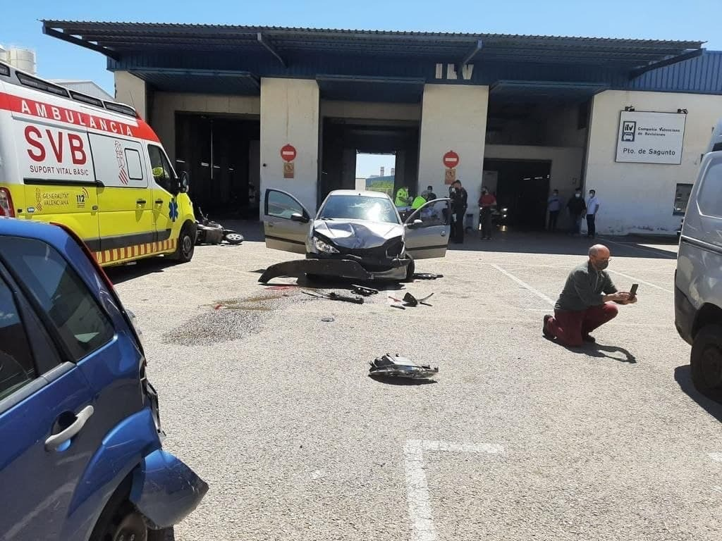 Accidente en la ITV de Sagunto