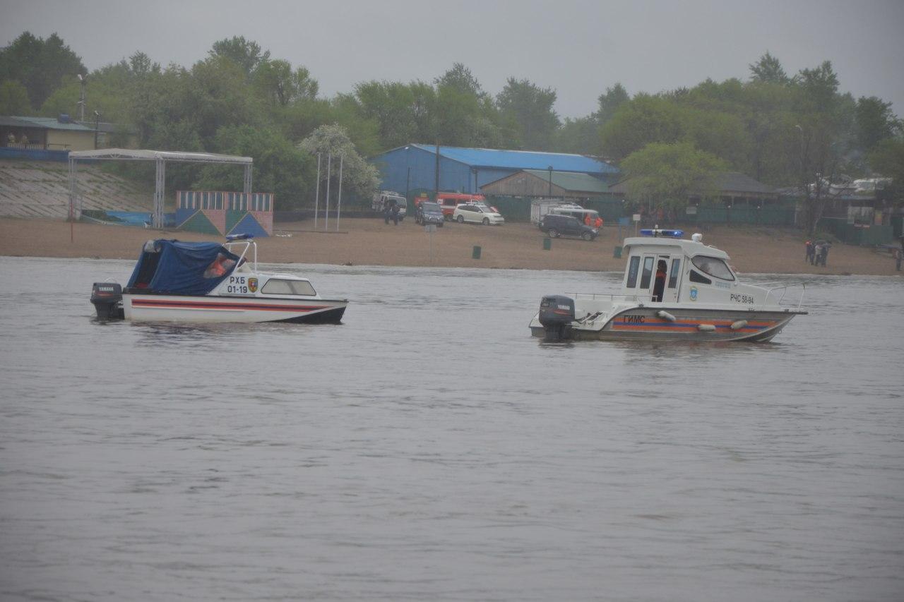 В Хабаровске ведут поиск пропавших людей на воде