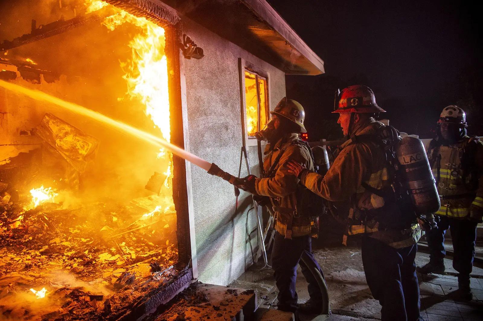 пары фотографии пожарных на пожарах рукодельницам лучше всего