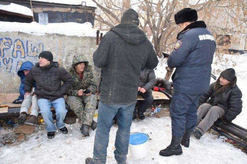 Хабаровских бомжей накормят и обогреют