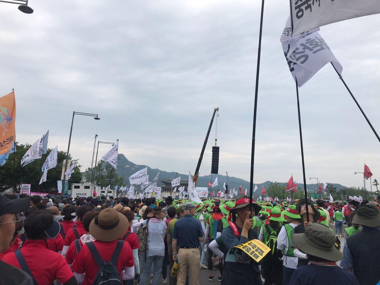 声援民主劳总:不向亲资政府乞怜,以抗议求得劳工尊严!