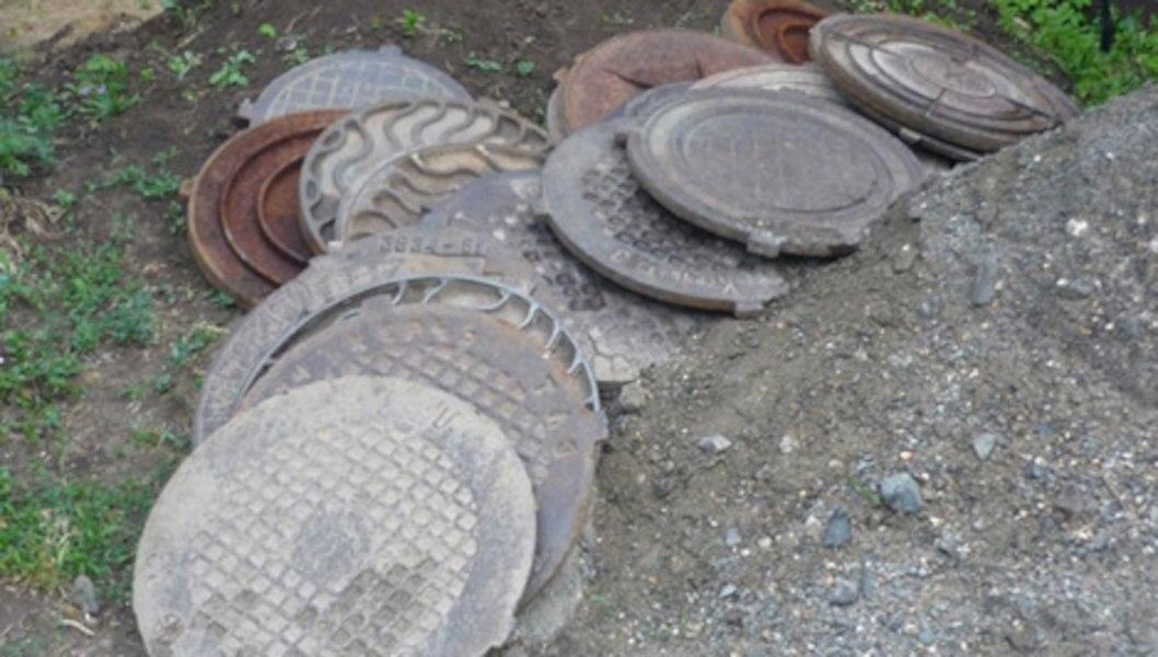 Хабаровчанин спер люки на 75 тыс рублей