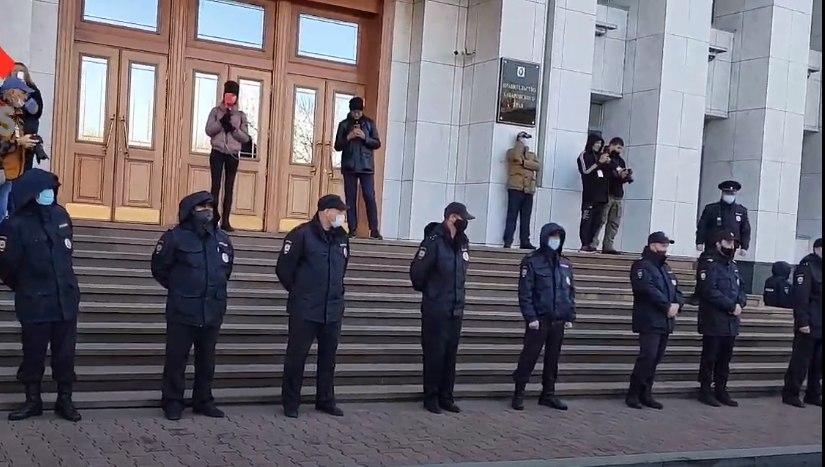 Администрация вновь насчитала 500 человек на митинге в Хабаровске