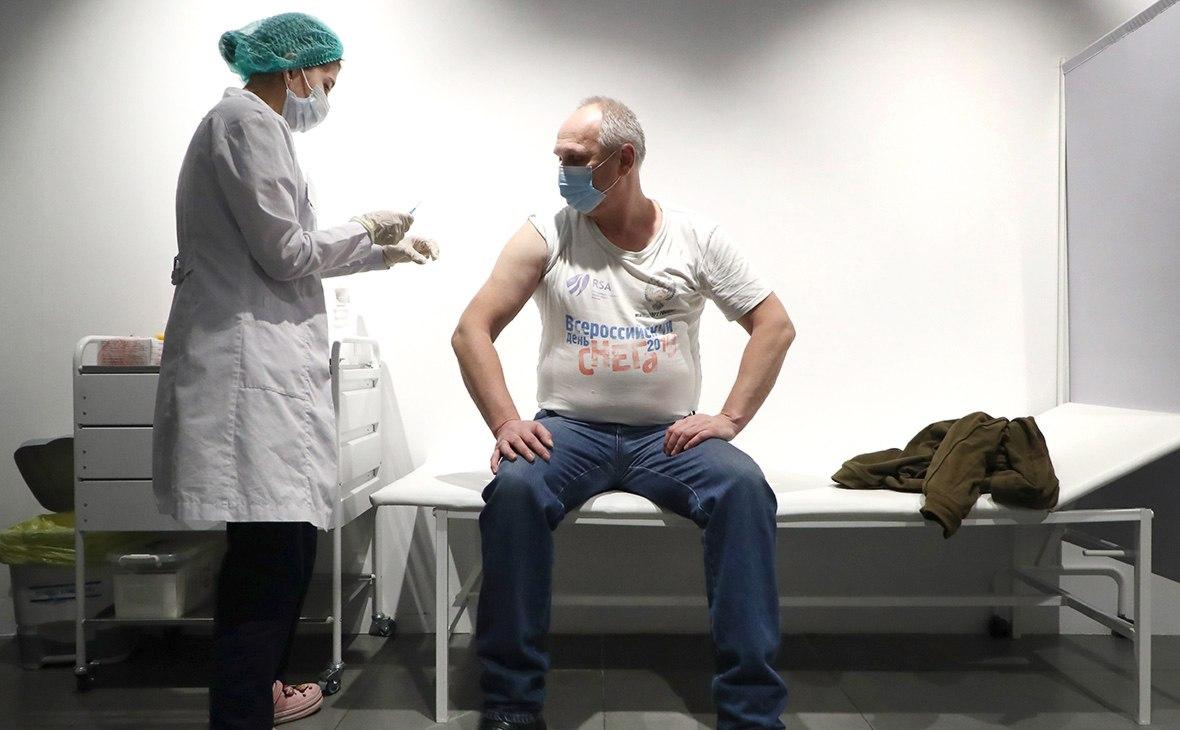 Активнее вакцинировать хабаровчан поручил Трутнев
