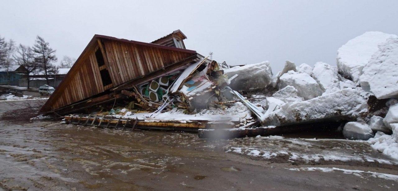 Ледоход снёс магазин в Хабаровском крае