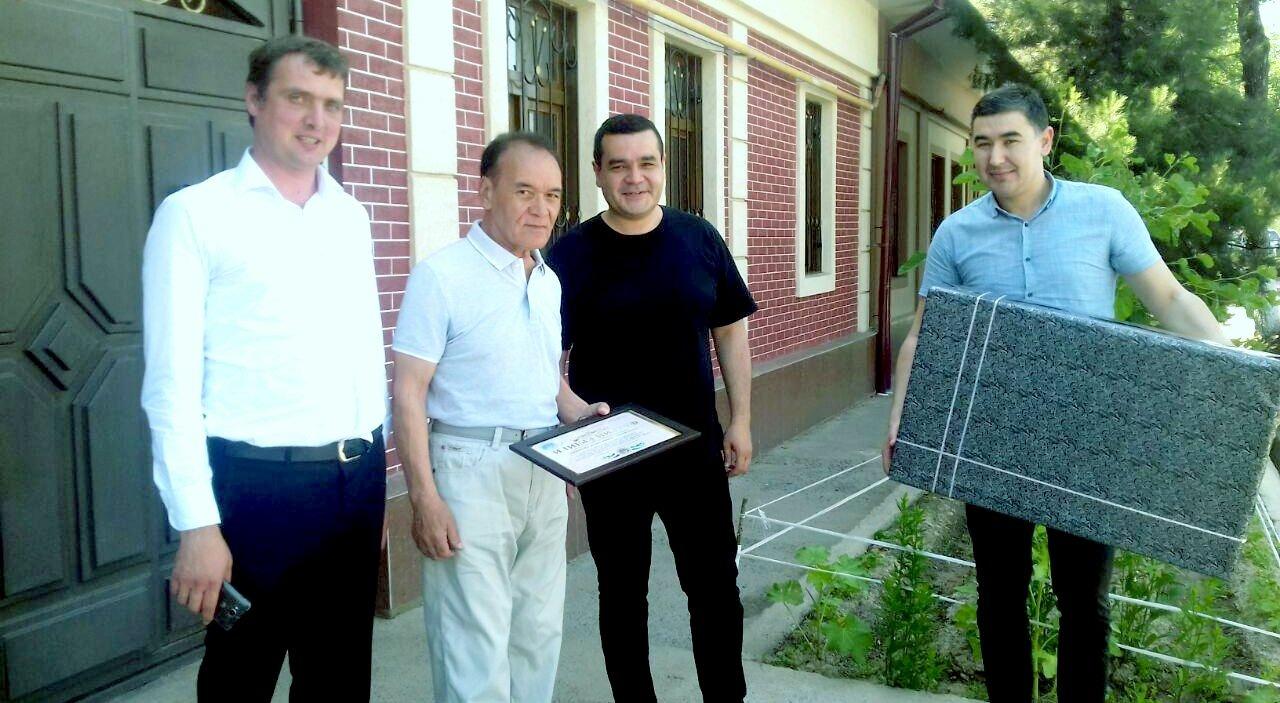 Ветерану филармонии вручена почётная грамота от Министерства культуры Республики Узбекистан.