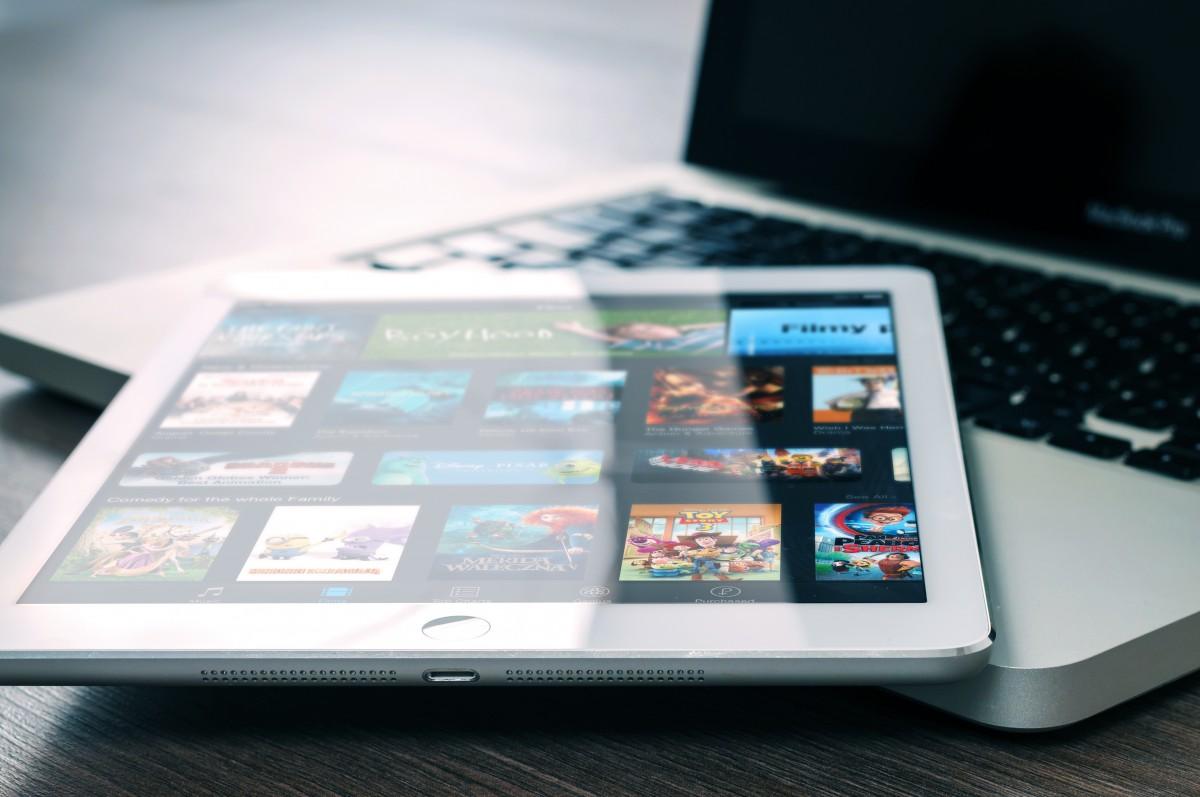 Spotify y Netflix por horas vistas