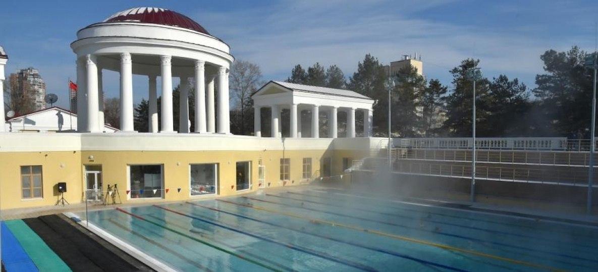 Открытый бассейн в Хабаровске передадут министерству спорта