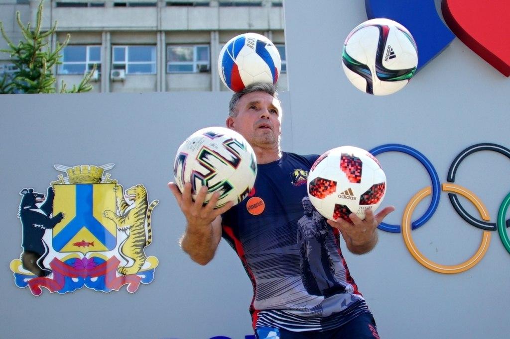 Мировой рекорд по футбольному жонглированию установили в Хабаровске