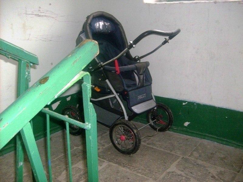 Алкаш украл детскую коляску в Хабаровске