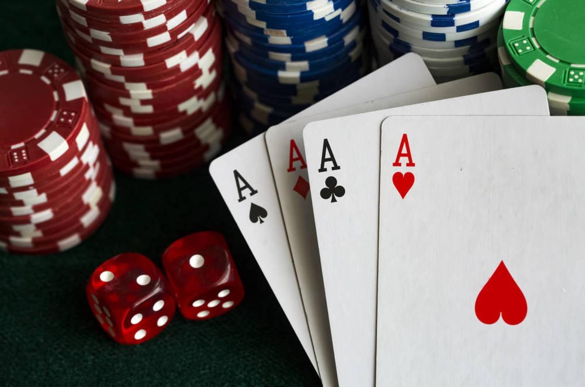 Как быть в плюсе в онлайн покер как играть в казино и выиграть в