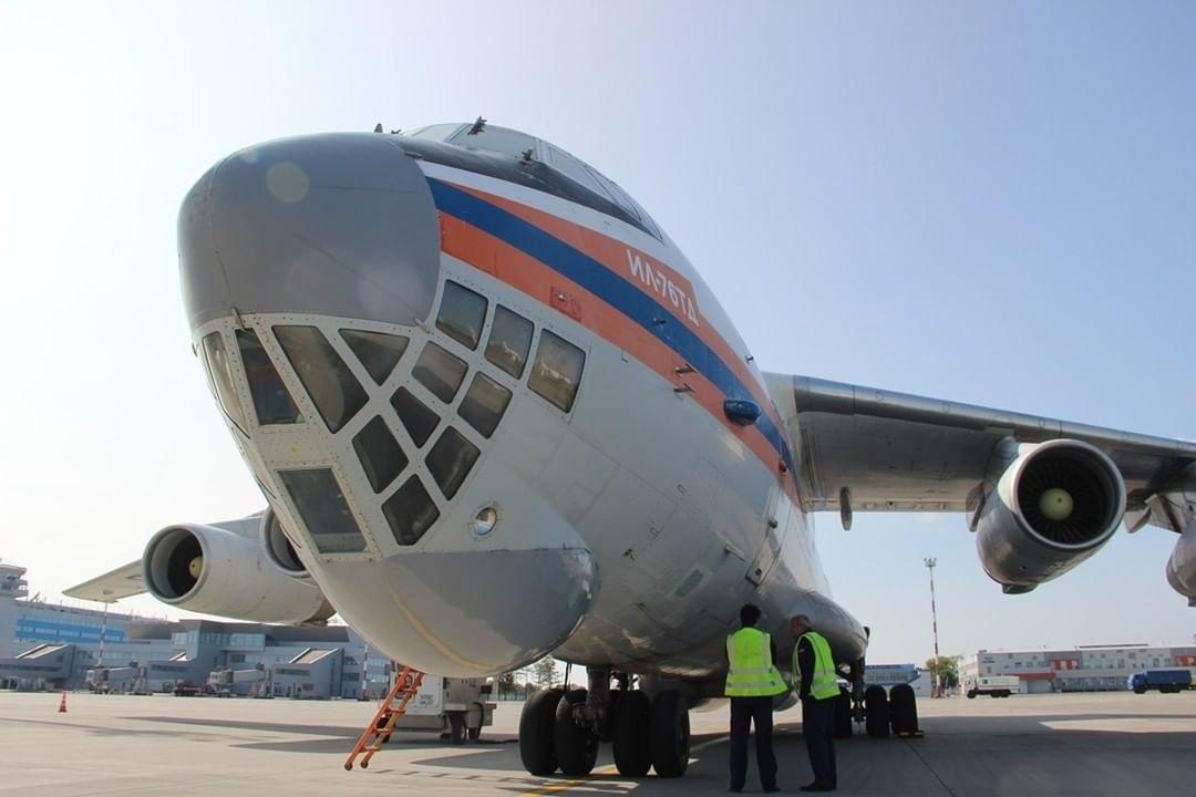 Бортом ИЛ-76 МЧС России из Москвы в Хабаровск прибыли спасатели