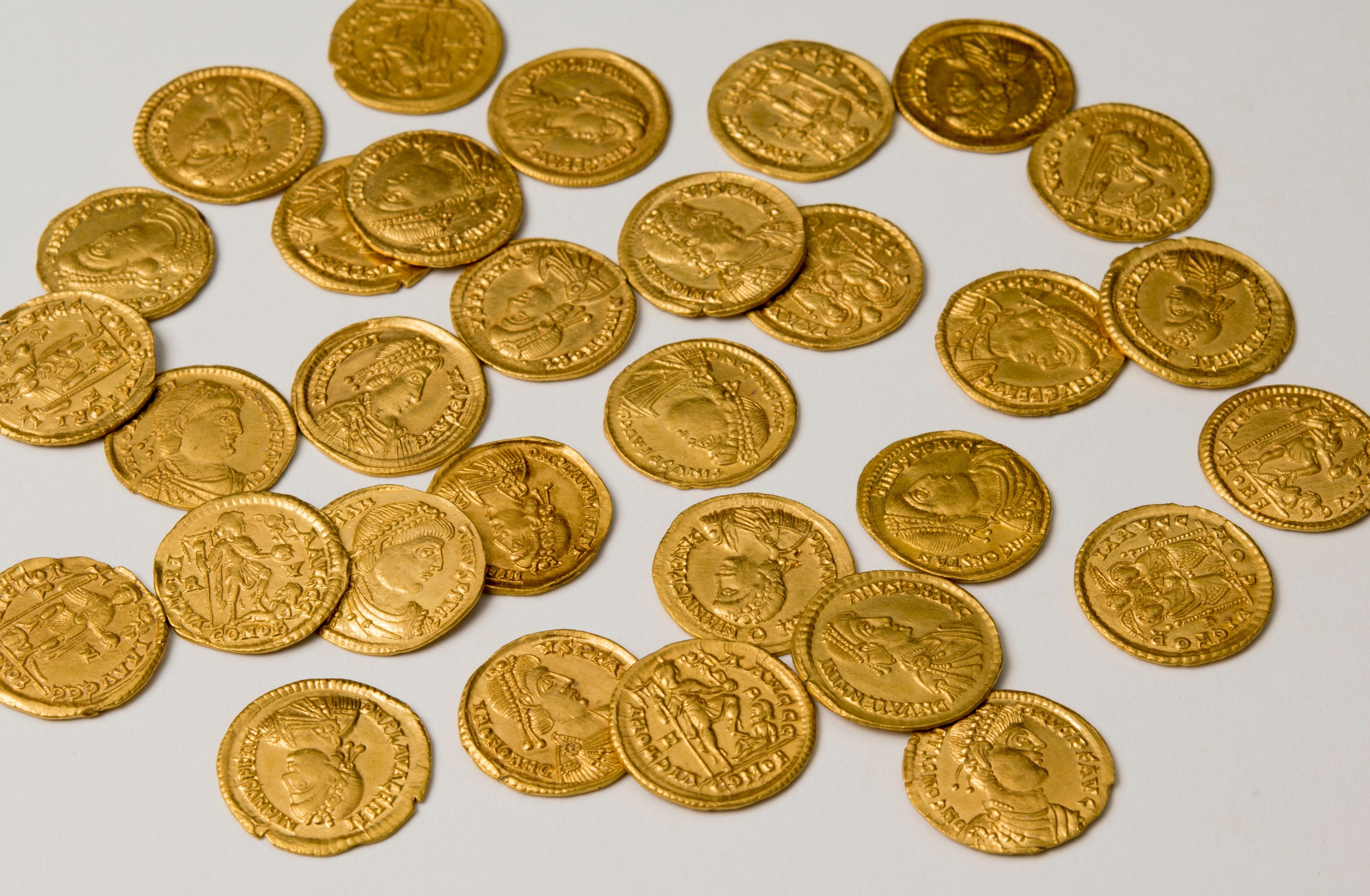 Найден клад золотых монет западной римской империи pogodovka.