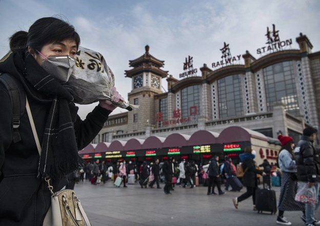Китайцев попросили не праздновать Новый год и не ехать к родителям