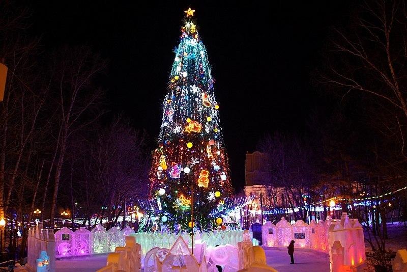 Все новогодние городки заработали в Хабаровске