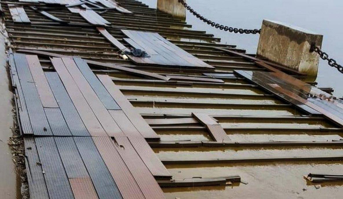 Разбитое покрытие на набережной Хабаровска демонтируют