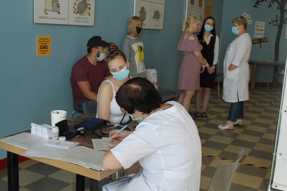 Десятый мобильный пункт вакцинации открылся в Хабаровском крае